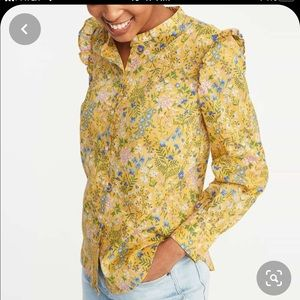 Old Navy floral shoulder ruffle button down sz med